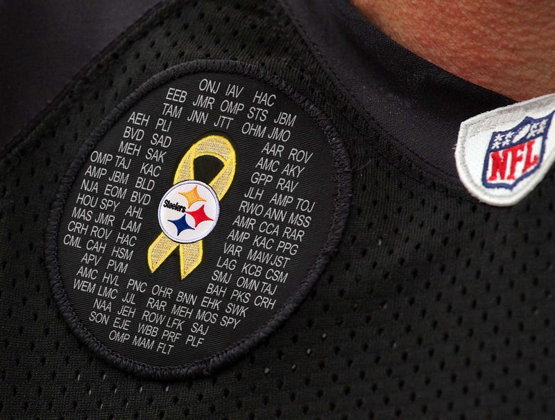 Illustration for article titled Steelers To Wear Patch Honoring Victims Of Ben Roethlisberger