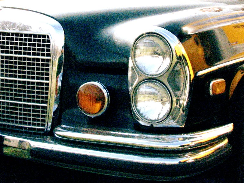 Illustration for article titled Dear Lord, I Saw a Mercedes 300SEL 6.3 For Real