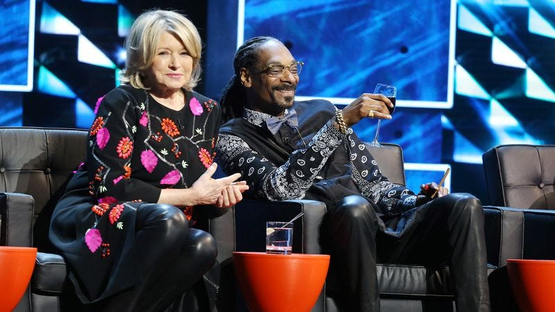 Illustration for article titled Snoop Dogg and Martha Stewart to cohost VH1 cooking show