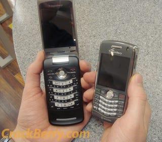 Illustration for article titled First BlackBerry Kickstart 8220 Impressions (Verdict: Solid Hardware)