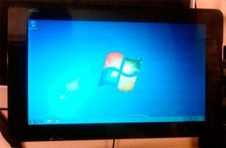 Illustration for article titled And Here Is Windows 7 Running Hot On a JooJoo Tablet