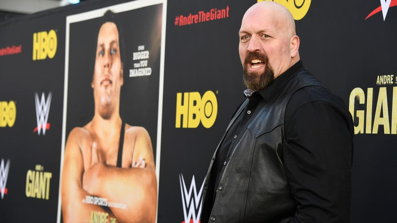 Illustration for article titled WWE's Big Show to star in a family comedy for Netflix, will likely involve far less chokeslams