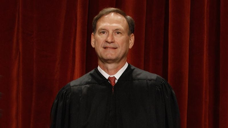 Illustration for article titled Struggling Justice Alito Sent Down To Lower Federal Court