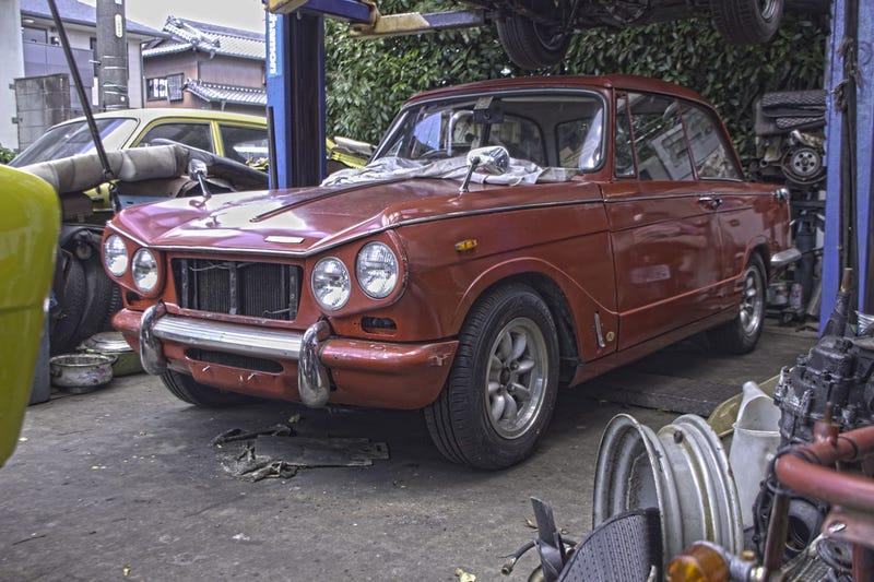 Illustration for article titled Classic Cars Restorations, in Okazaki, Aichi, Japan