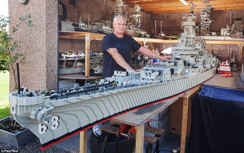 Illustration for article titled Fisherman Spent 3 Years Building Massive 24-Foot Long Lego USS Missouri