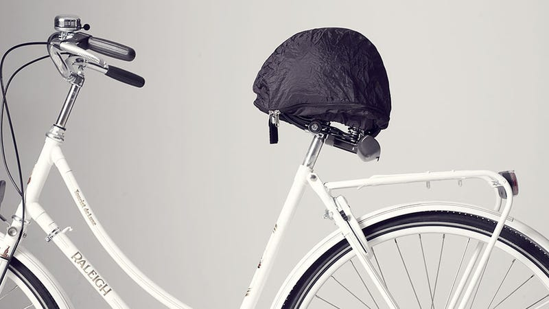 Illustration for article titled This Brilliant Bike Accessory Keeps Your Helmet Safe and Your Butt Dry