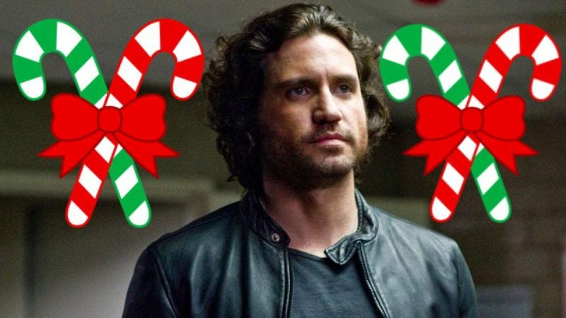 Illustration for article titled Point Break remake moved to Christmas, the most popular surfing holiday