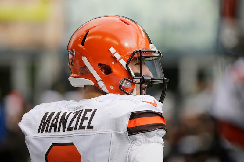 Illustration for article titled Browns Deny Report That They Covered For Drunk Johnny Manziel By Putting Him In Concussion Protocol