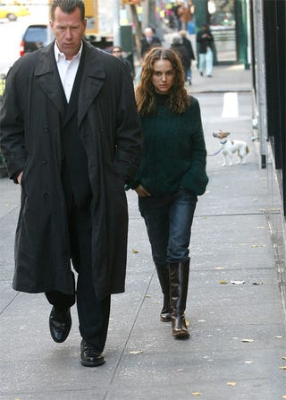 Illustration for article titled Peacenik Natalie Portman: If Looks Could Kill