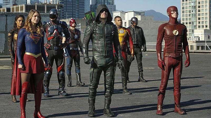 Illustration for article titled Legends Of Tomorrow concludes an impressive, ambitious superhero crossover