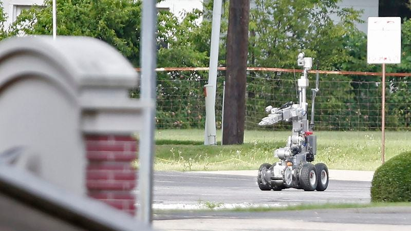 Illustration for article titled The Fact That An Explosive Robot Was Used To Kill The Dallas Shooter Raises Disturbing Concerns About The Fucking Rad Militarization Of The Police