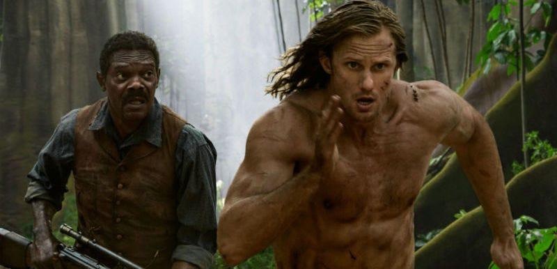 Samuel L. Jackson contempla al imparable Tarzán en The Legend of Tarzan (Todas las imágenes: Warner Bros.)