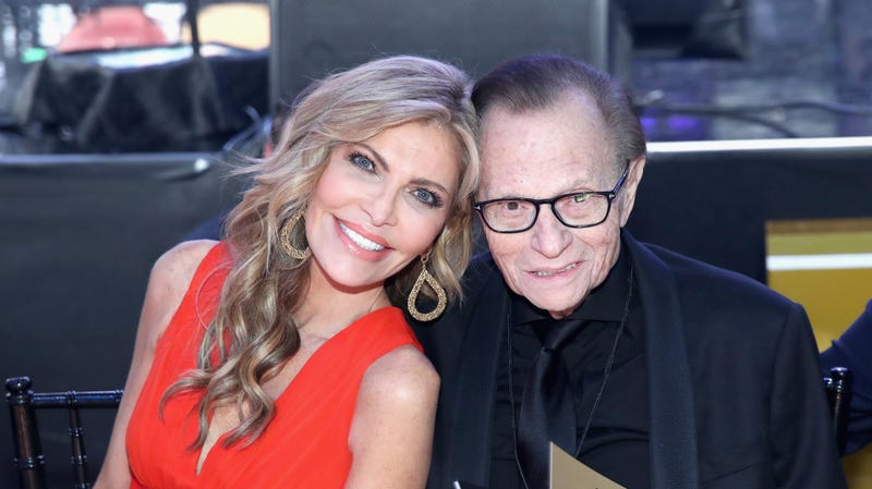 Illustration for article titled Ladies, Larry King Is Single Again