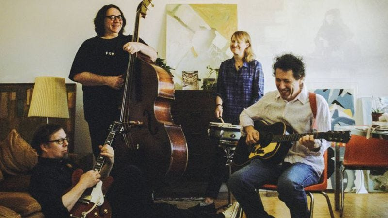 Illustration for article titled Yo La Tengo is going on tour