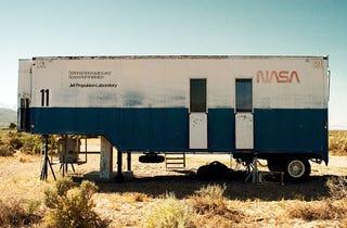 Illustration for article titled Abandoned NASA Trailer Found Roadside, Full of Retro NASA Awesomeness