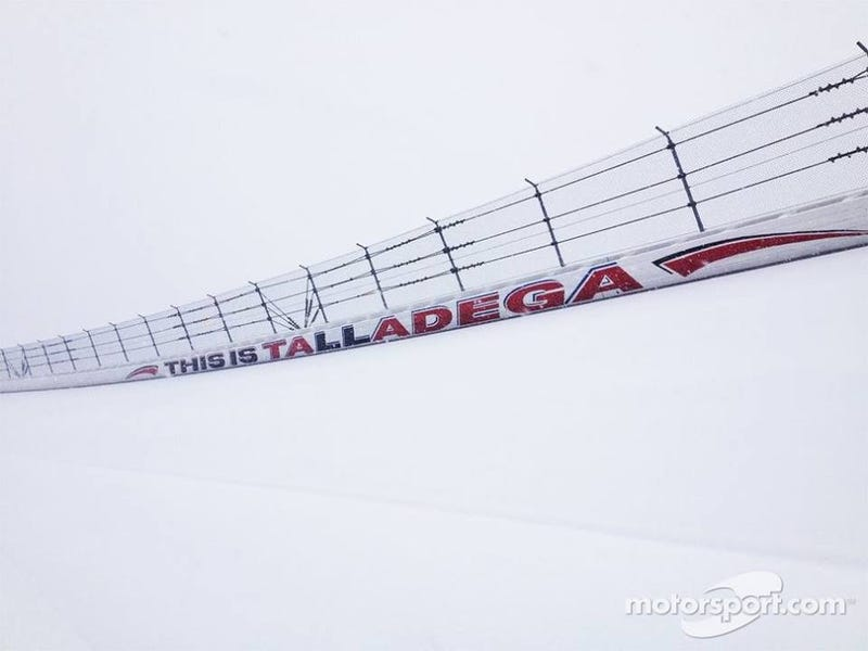 Illustration for article titled Snow at Talladega....