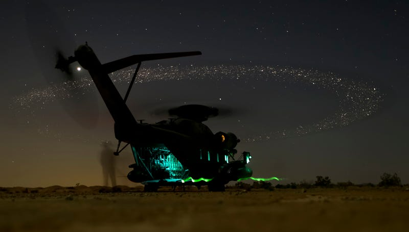 Illustration for article titled US Marines helicopter looks like its powered by the stars