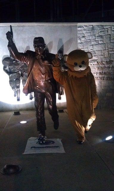 Illustration for article titled Here Is The Inevitable Photo Of Pedobear Posing Alongside The Joe Paterno Statue
