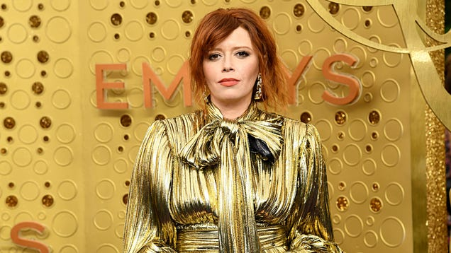Russian Doll's Natasha Lyonne joins pantheon of celebs who clap like weirdos