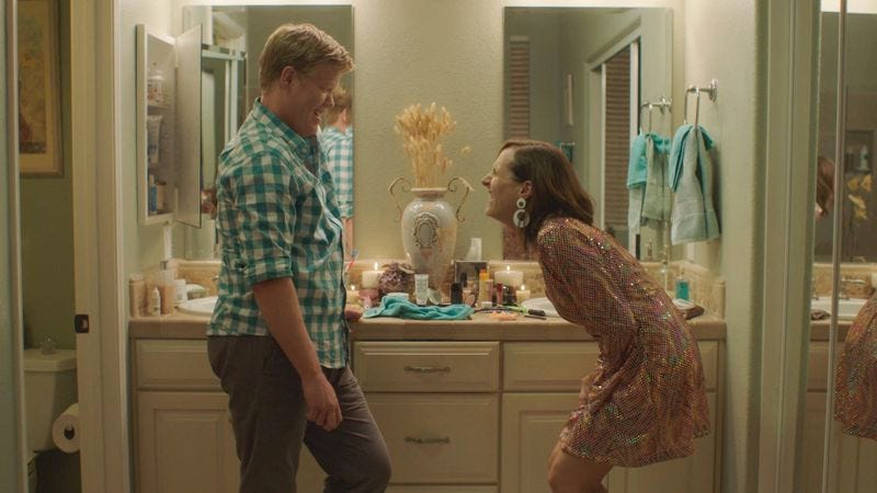 Jesse Plemons and Molly Shannon in Other People