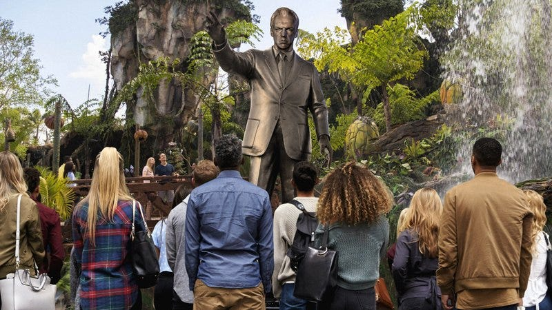 A state of Hugo Weaving in Disney's 'Avatar' theme park.