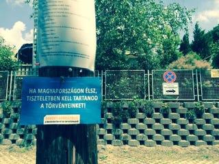 Illustration for article titled Nem a Rogán-szomszéd áll az undorító plakátkampány mögött