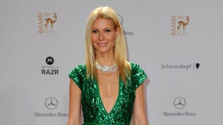 Illustration for article titled Gwyneth Paltrow Says She Takes Baths in the Tub With Her Kids