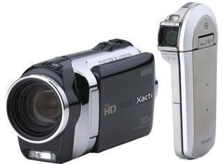 Illustration for article titled Sanyo's New Xacti Cams Ditch the AVCHD, Keep Getting Slimmer and Slimmer