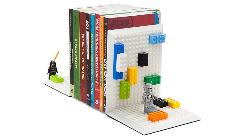 Illustration for article titled A pair of custom Lego bookends starts with these angled baseplates