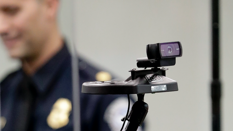 Illustration for article titled Face Recognition CEO Says Use of This Tech by Police Is 'Irresponsible and Dangerous'