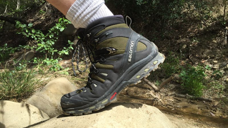 Hiking shoes for wide feet for men