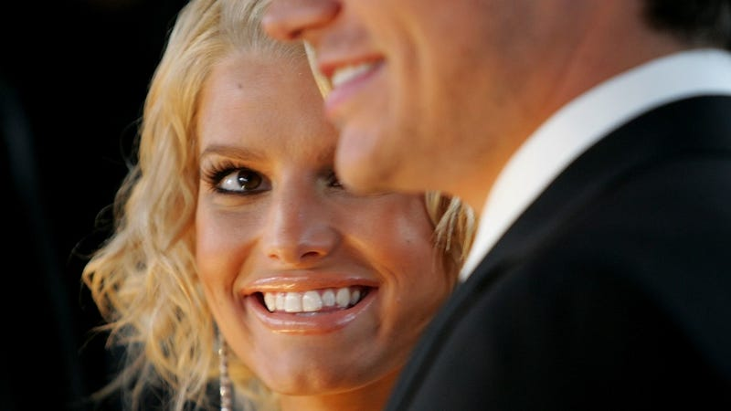 Illustration for article titled Jessica Simpson Would 'Have a Panic Attack' If She Rewatched Newlyweds