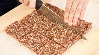 These DIY Energy Bars Offer an Easy, Healthy Way to Refuel