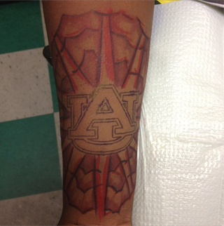 Illustration for article titled Five-Star Recruit Decommits From Auburn University, Even Though He Got An Auburn Tattoo This Summer [UPDATE]
