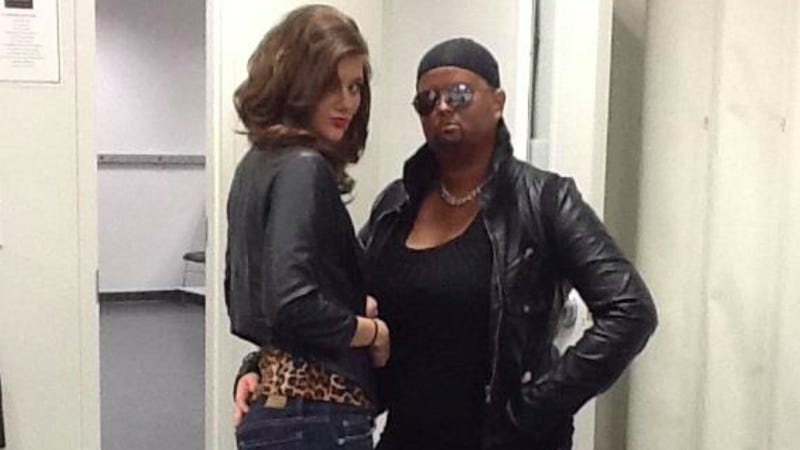 "Illustration for article titled Beauty School Student Poses in Blackface as Kanye West for ""Inspiration Day"""