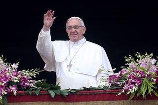 Illustration for article titled Ferenc pápa kapott egy drónt
