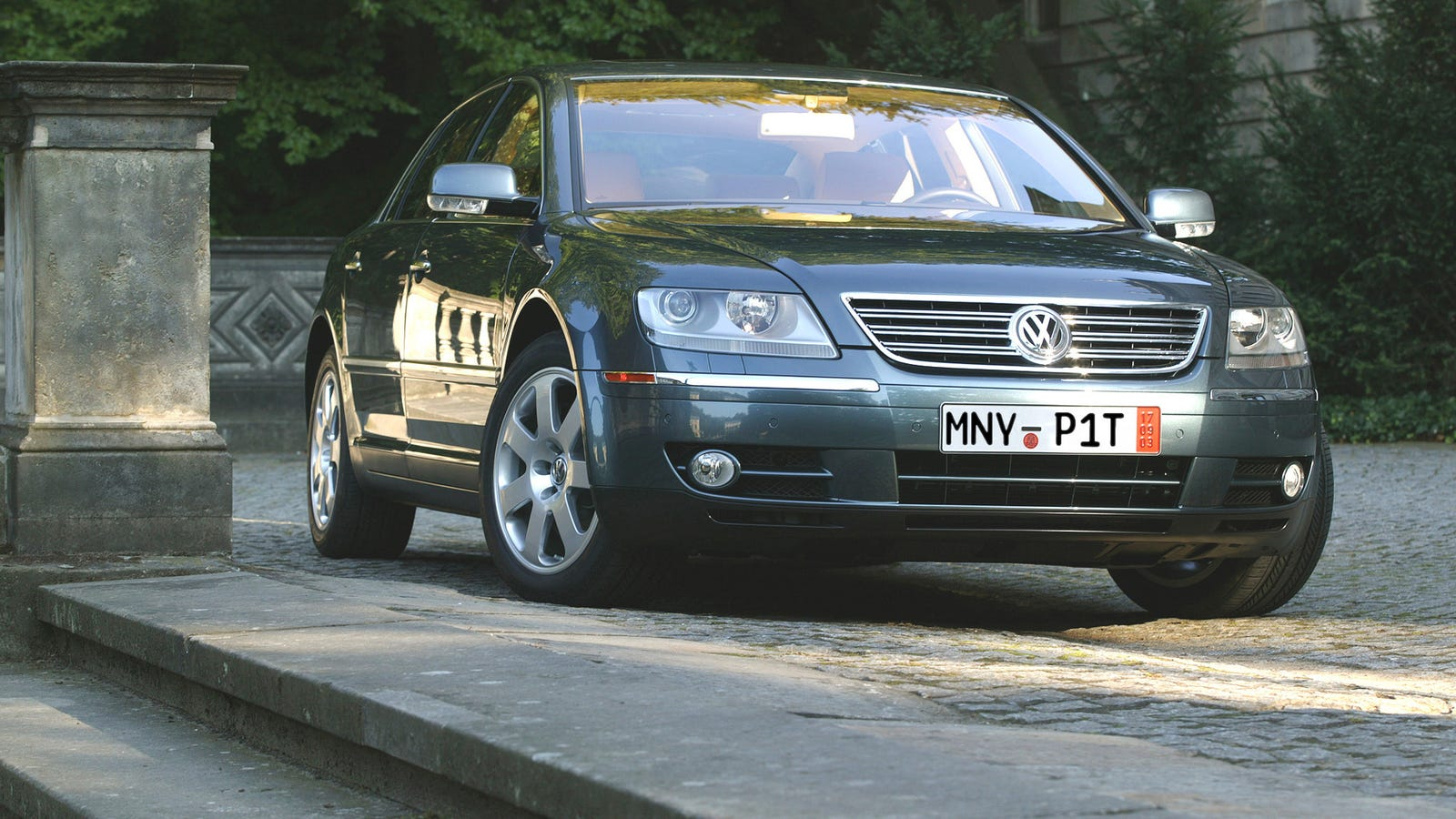 the pain and pleasure of briefly owning a used volkswagen phaeton. Black Bedroom Furniture Sets. Home Design Ideas