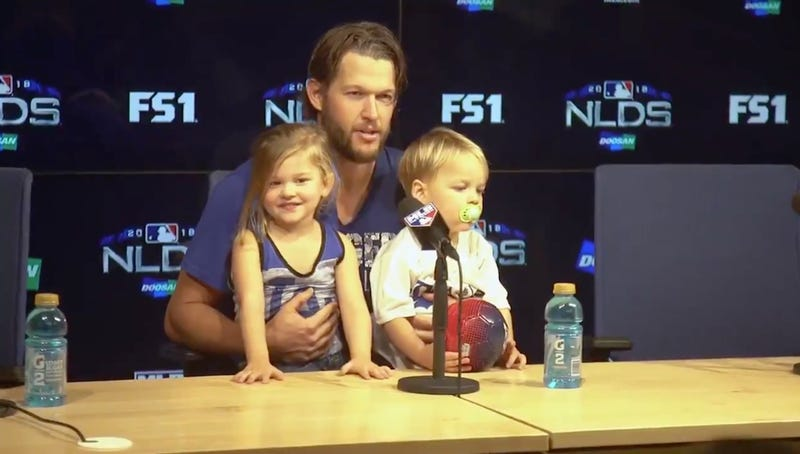 Illustration for article titled Clayton Kershaw's Tiny Adorable Kid Offers Good Take On Her Dad's Dominant Performance