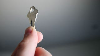 Illustration for article titled Shloosl Copies Your House Keys Using a Smartphone Photograph