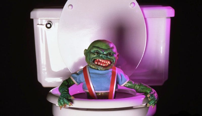 Illustration for article titled 8 Most Terrifying Tiny Monsters From 1980s Movies