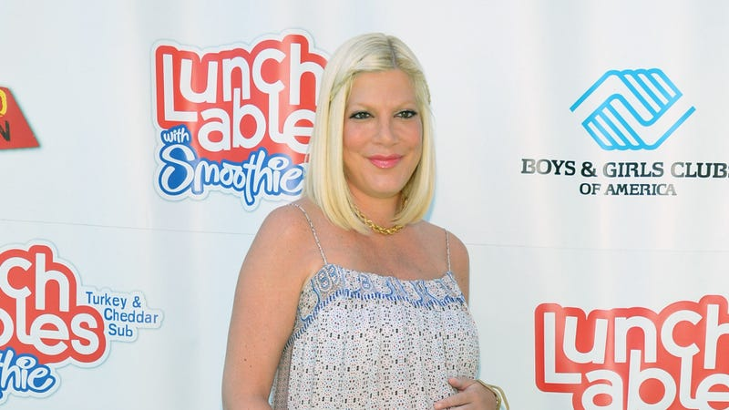 Illustration for article titled Tori Spelling Opens Up About How Her Last Pregnancy Almost Killed Her