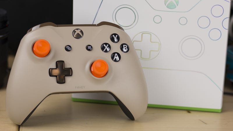 Illustration for article titled I Made A Controller Using Xbox Design Lab's New Colors And Parts