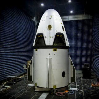 Illustration for article titled Photo: New Dragon crew spaceship almost ready for test flight