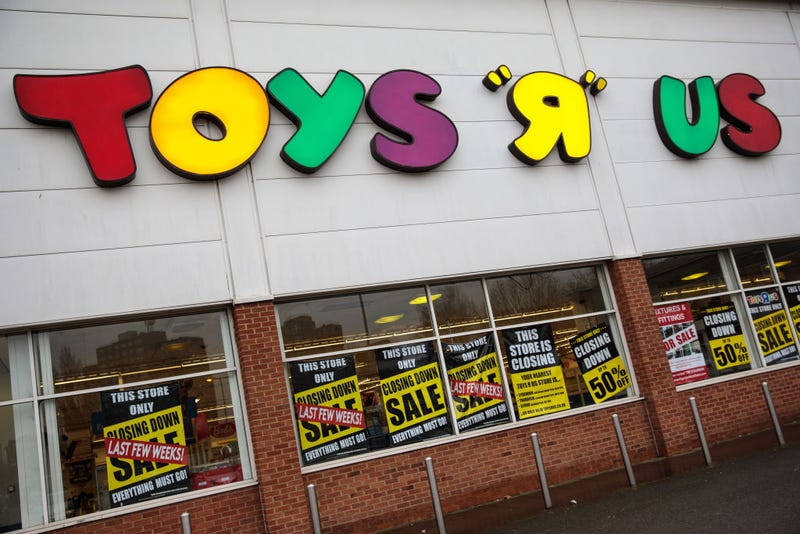 Illustration for article titled Now Toys R Us is thinking about closing all of its U.S. stores