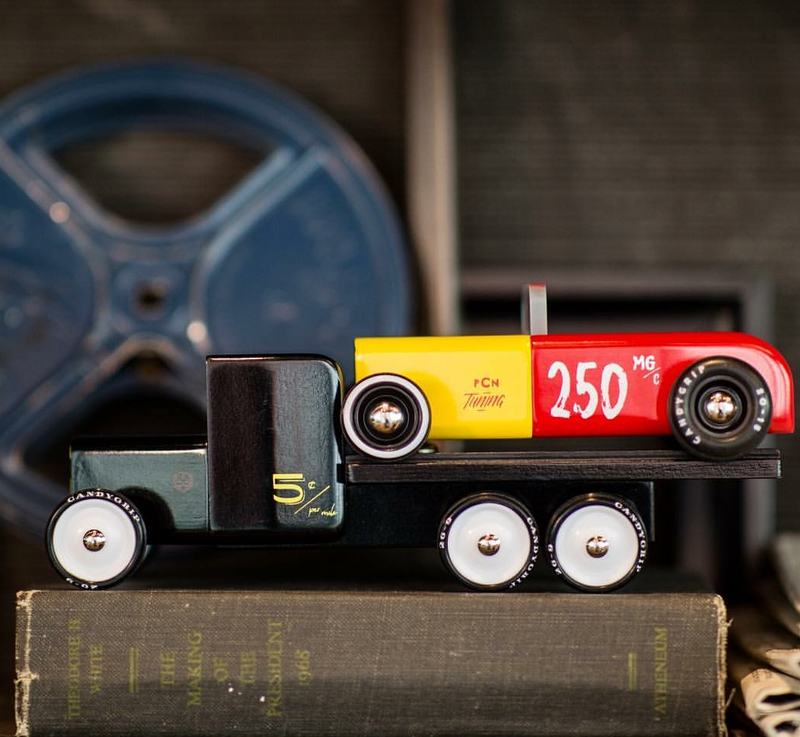 Illustration for article titled This is how you Pinewood Derby!