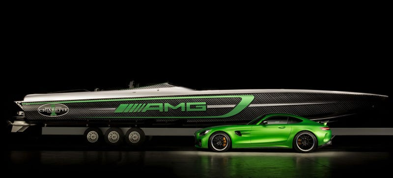 Illustration for article titled This Is The 3,100-HP Cigarette Boat The Mercedes-AMG GT RWas Always Meant To Be
