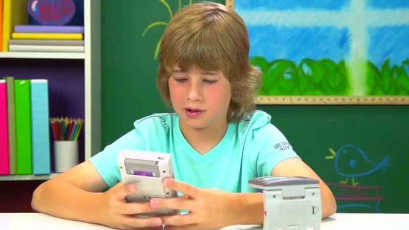Illustration for article titled Today's kids are befuddled by an original Game Boy