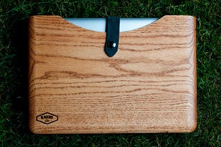 Illustration for article titled Wooden Blackbox Macbook Cases Show Great Character