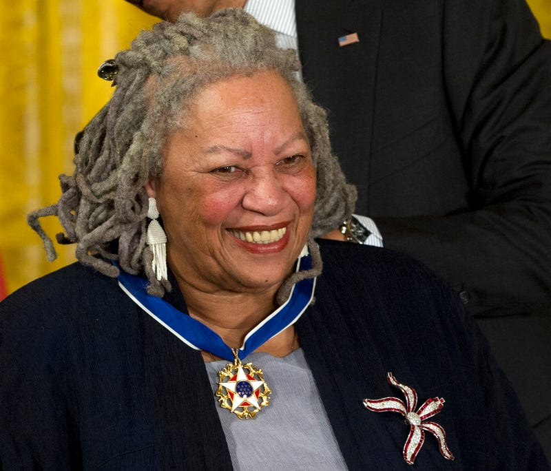 Illustration for article titled Nobel Prize Winner Toni Morrison, One of America's Greatest Writers, Has Died at 88