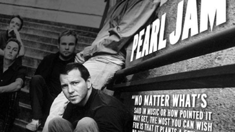 Illustration for article titled Eddie Vedder of Pearl Jam
